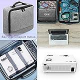 QKK 4500 Lumen Beamer mit Tragetasche unterstützt 1080P Full HD, Mini Video Beamer kompatibel mit TV-Sticks, PS4 Xbox, Wii, HDMI, VGA, SD-Karten, AV- und USB-Geräten, Heimkino-Beamer, weiß, MEHRWEG. - 2